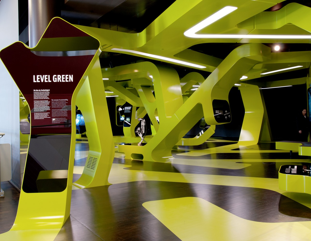 Claudia Kahl - Exhibition Design Level Green